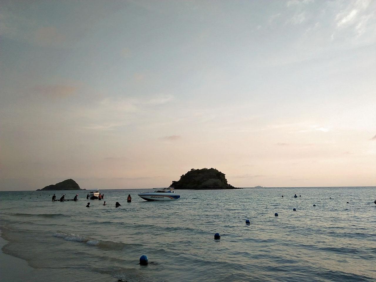 วิวสวยๆบริเวณรอบๆหาดนางรำ สัตหีบ