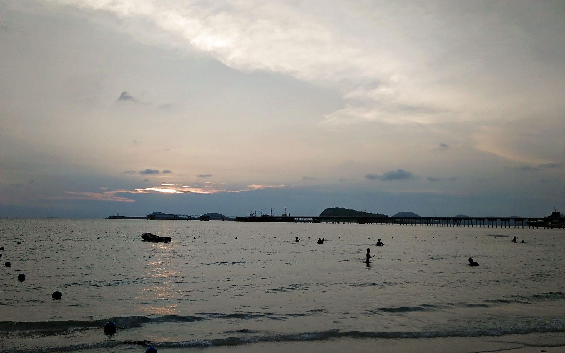 หาดนางรำ สัตหีบ ชลบุรี