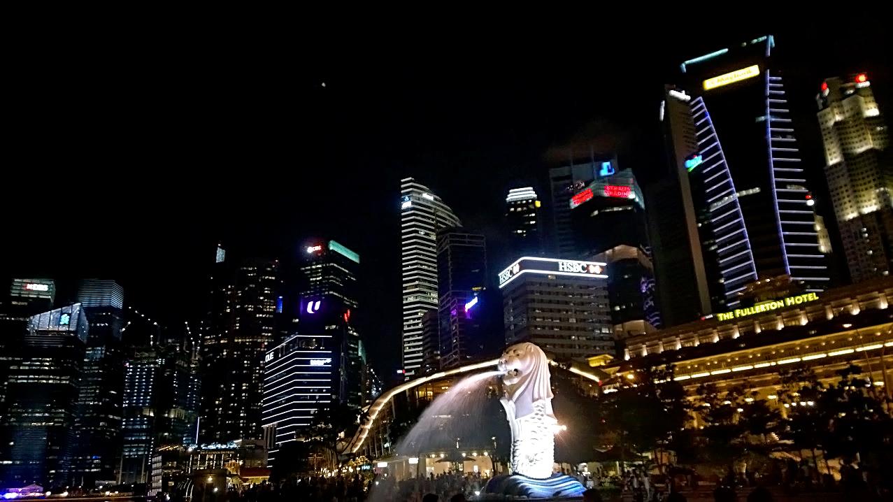 สีสันแห่งค่ำคืน ณ เมอร์ไลอ้อน พาร์ค สิงคโปร์